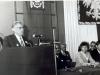 1984-0-dyrektor-szkoly-otwiera-uroczystosc