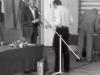 1980-wreczenie-swiadectw-czeslaw-nowak